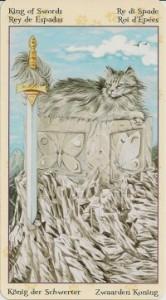 Король Масть Мечей Таро Языческих Кошек (Tarot of Pagan Cats)